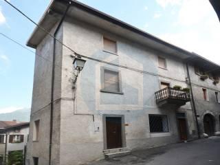 Foto - Casa indipendente via Staccone, Cerveno