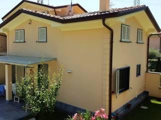 Foto - Villetta a schiera 5 locali, nuova, Marasio, Carrara