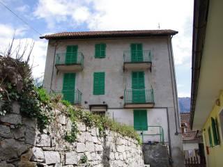 Foto - Palazzo / Stabile tre piani, da ristrutturare, Varzo
