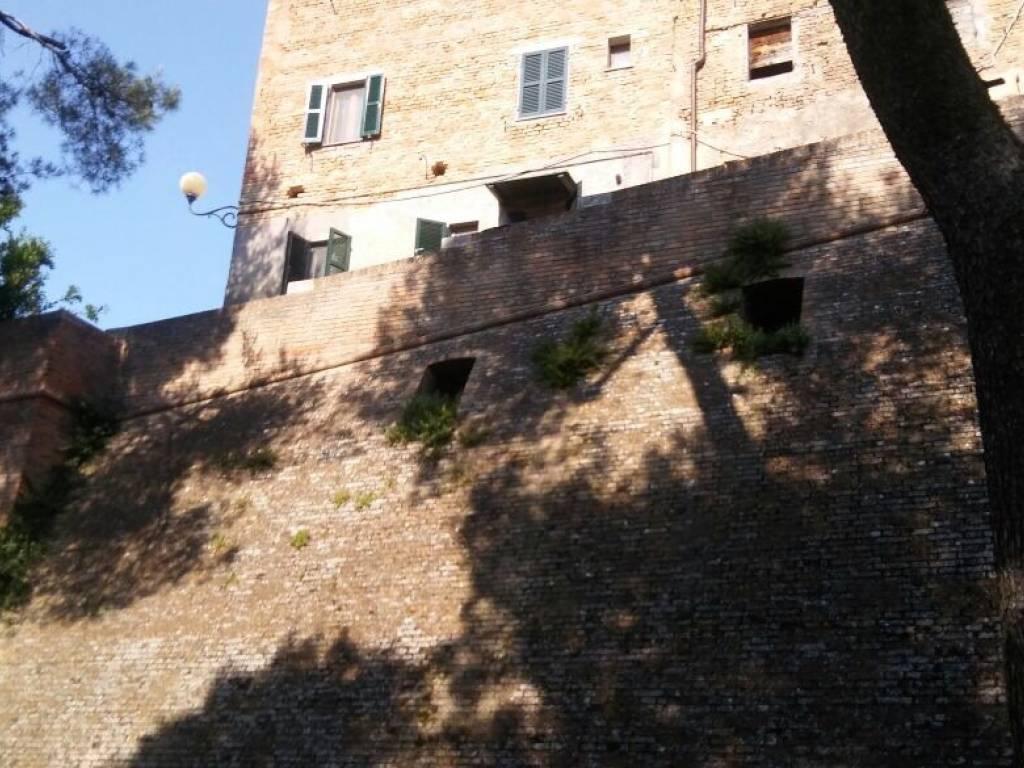 foto  Trilocale via Mura 12, Belvedere Ostrense