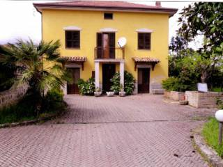 Foto - Palazzo / Stabile, da ristrutturare, Arpino