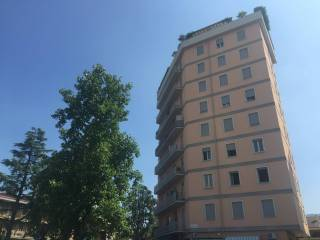 Foto - Trilocale ottimo stato, secondo piano, Via Veneto, Brescia