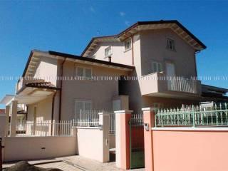 Foto - Villetta a schiera 3 locali, nuova, Fossone, Carrara