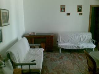 Foto - Trilocale via Giannicola Spina, Vieste