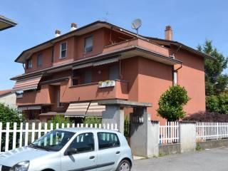 Foto - Trilocale via Adige, Grancia, Lainate