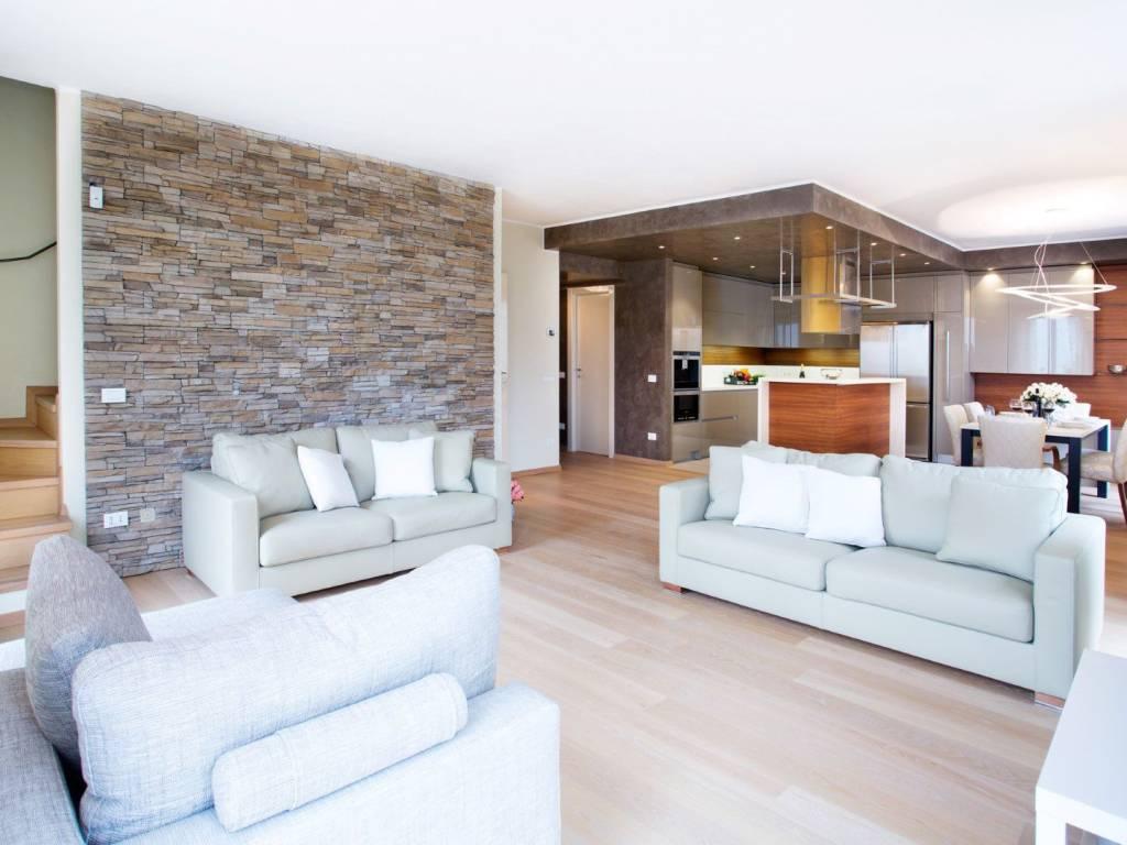 foto  Two-family villa via degli Ulivi, Sala Comacina