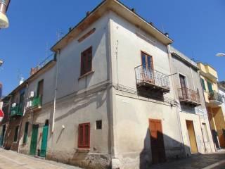 Foto - Palazzo / Stabile due piani, da ristrutturare, Baiano