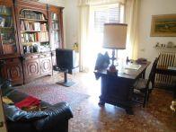 Foto - Appartamento buono stato, terzo piano, Livorno