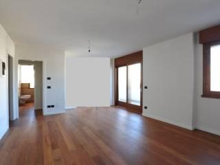 Foto - Trilocale nuovo, terzo piano, Pordenone