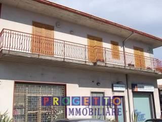 Foto - Trilocale via Antonio di Sangiuliano, Trecastagni
