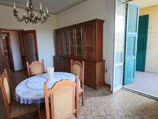 Foto - Quadrilocale buono stato, secondo piano, Le Grazie, Ancona