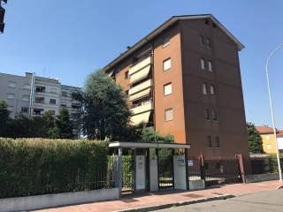 Foto - Trilocale buono stato, quarto piano, Buccinasco