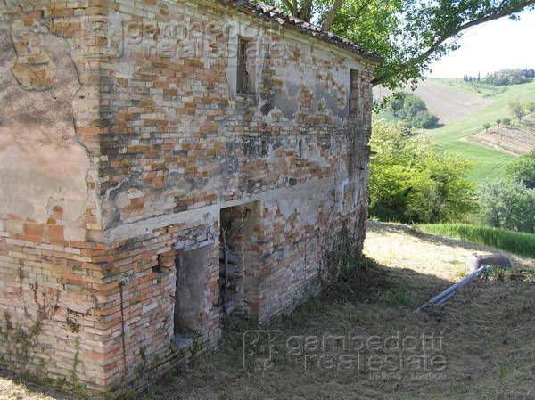 foto  Rustico, da ristrutturare, 220 mq, Terre Roveresche