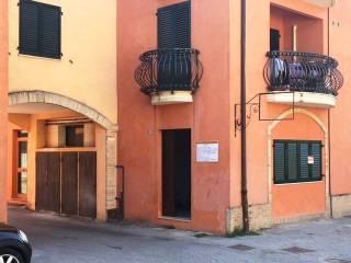 Foto - Trilocale ottimo stato, piano terra, San Severino Marche