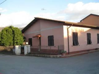 Foto - Casa indipendente via Caffaggiola 44, Ortonovo