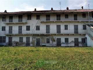 Foto - Casale, da ristrutturare, 345 mq, Strambino
