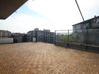 Foto - Trilocale buono stato, sesto piano, Lorenteggio, Milano