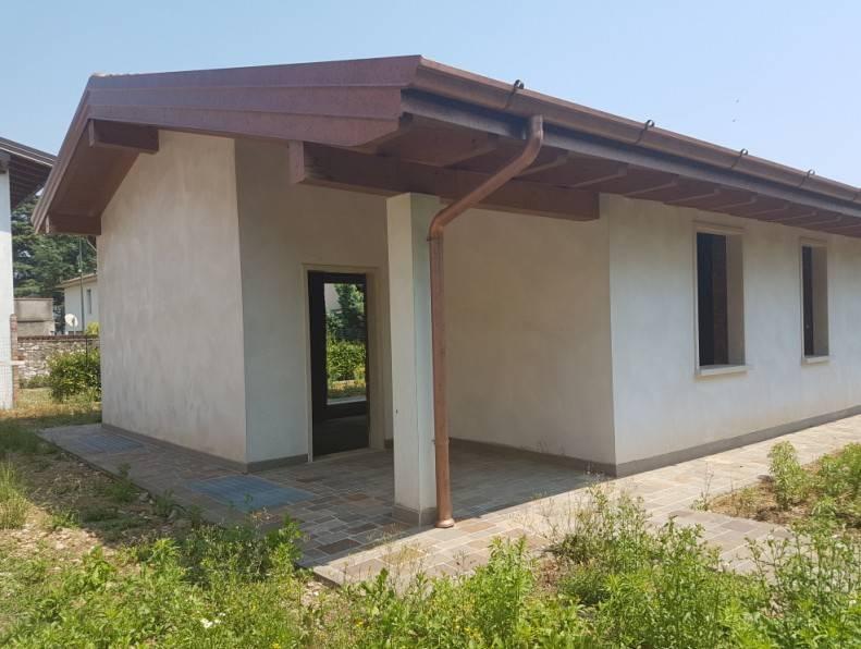 foto  Villa unifamiliare, nuova, 150 mq, Villanuova sul Clisi