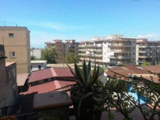 Foto - Quadrilocale via Amoretti, Portici