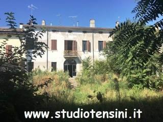 Foto - Palazzo / Stabile tre piani, buono stato, Asola
