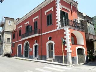 Foto - Palazzo / Stabile tre piani, buono stato, Cava De' Tirreni