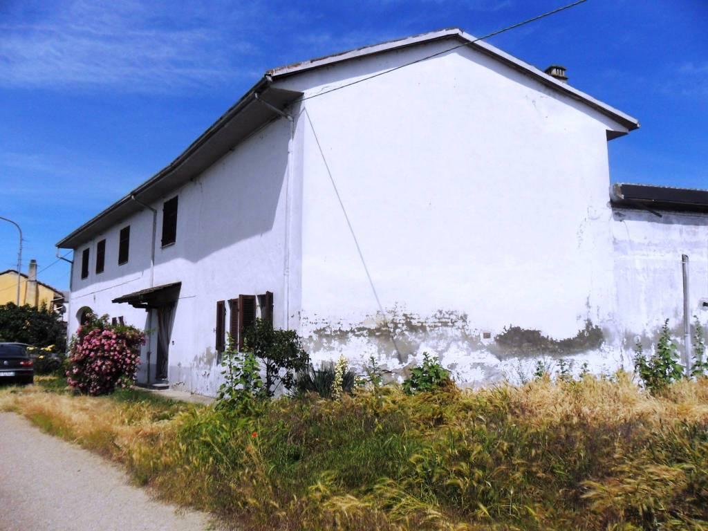 foto Facciata Villa unifamiliare via V  Veneto, Stroppiana
