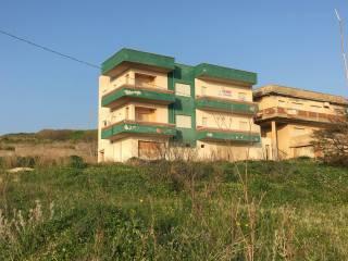 Foto - Palazzo / Stabile tre piani, da ristrutturare, Sciacca