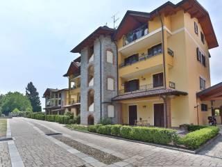 Foto - Trilocale ottimo stato, secondo piano, Castelletto Sopra Ticino