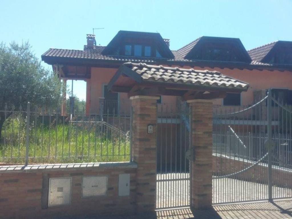 foto  Villetta a schiera 5 locali, nuova, Alatri