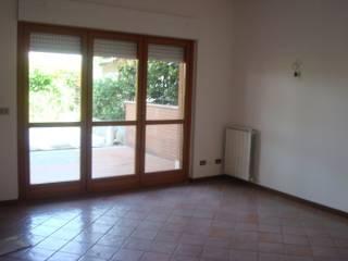 Foto - Appartamento buono stato, piano terra, Passo Corese, Fara In Sabina
