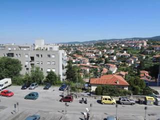 Foto - Bilocale buono stato, quarto piano, Costalunga, Trieste