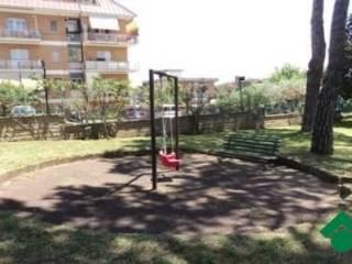Foto - Quadrilocale buono stato, primo piano, Battistini, Roma
