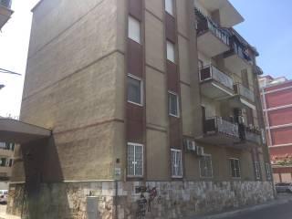 Foto - Appartamento da ristrutturare, piano rialzato, Picone, Bari