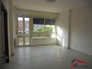 Foto - Quadrilocale nuovo, quarto piano, San Paolo, Gravina Di Catania