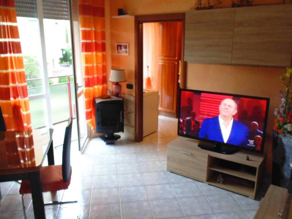 foto  Trilocale via Stelvio, Novate Milanese