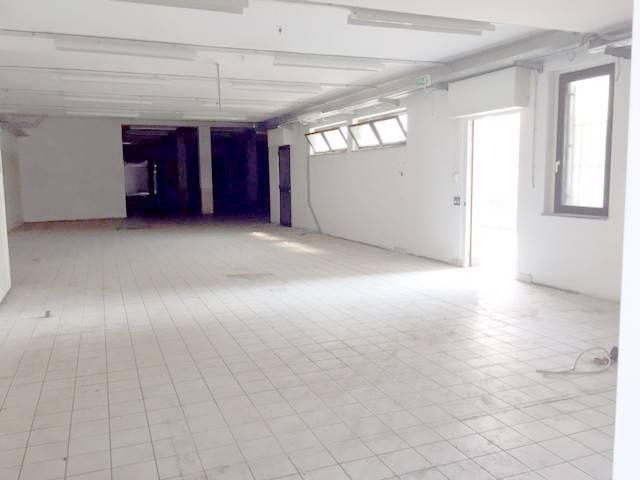 foto interno 1 Negozio in Vendita a Bariano