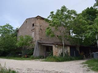 Foto - Rustico / Casale, da ristrutturare, 200 mq, Loreto Aprutino