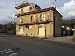 Foto - Quadrilocale buono stato, secondo piano, Giffoni Valle Piana