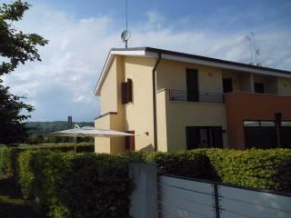Foto - Villetta a schiera via Fratelli Guardi 5, Selva Del Montello, Volpago Del Montello