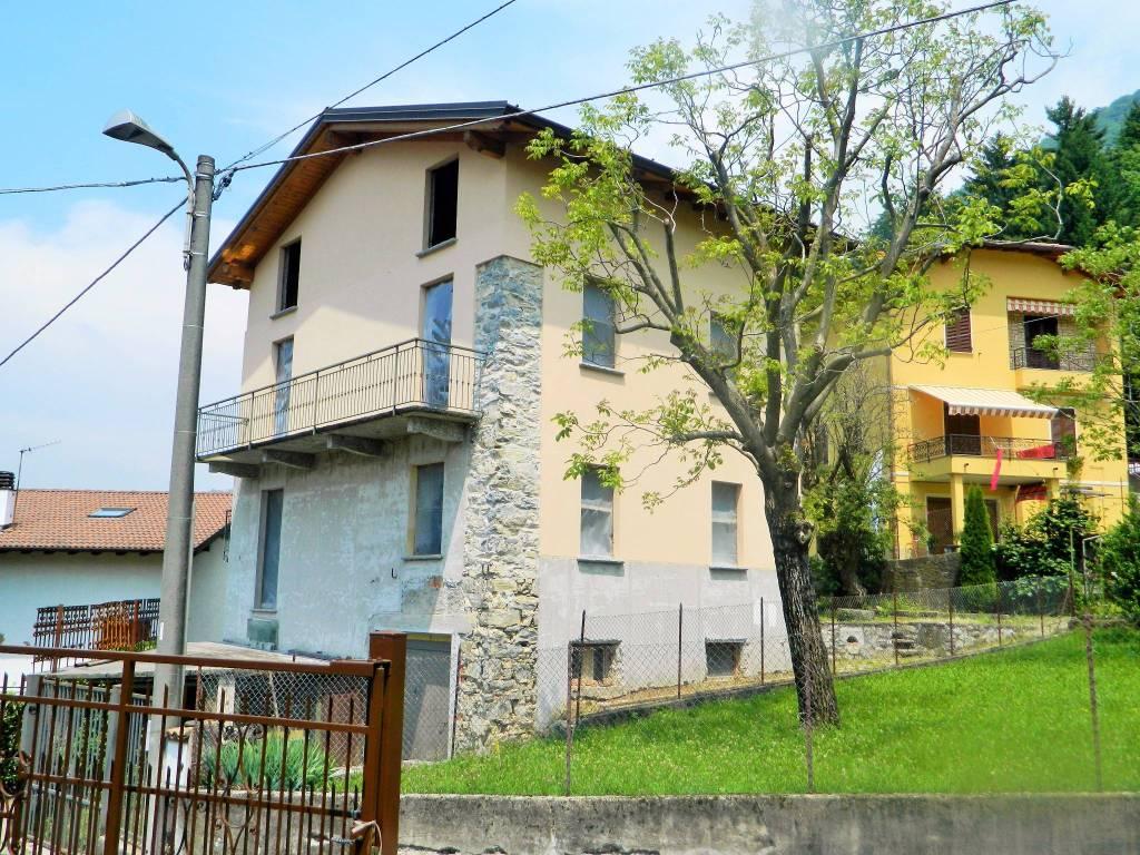 foto facciata Villa unifamiliare, nuova, 250 mq, Dizzasco