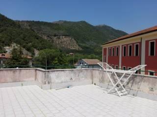 Foto - Trilocale da ristrutturare, secondo piano, Giffoni Valle Piana