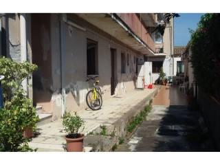Foto - Bilocale via Re Martino, 217, Ognina, Catania