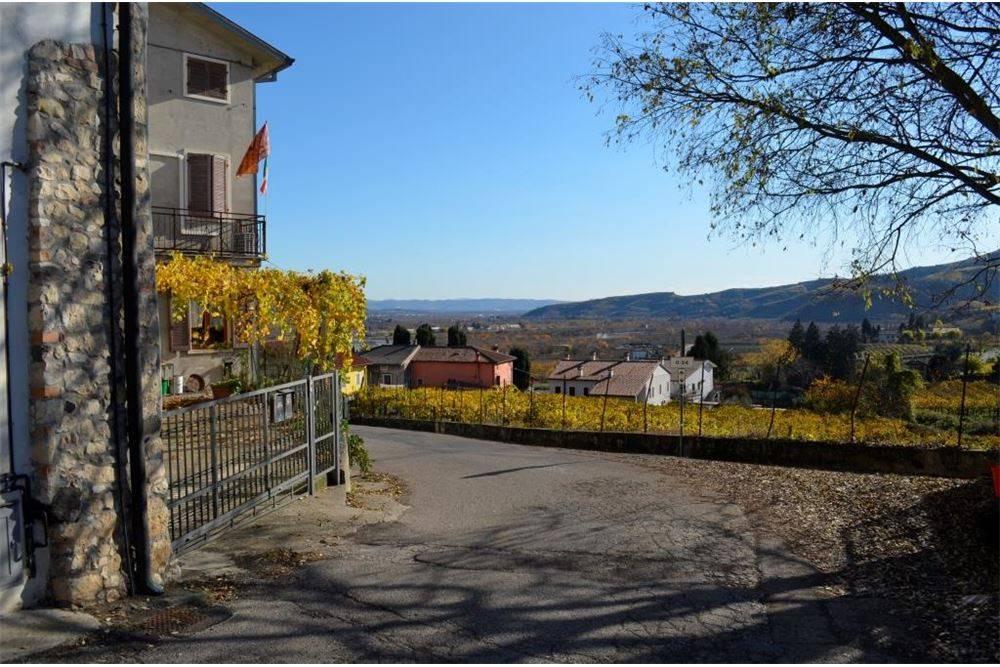foto  Villa a schiera 5 locali, ottimo stato, Montecchia di Crosara