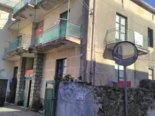 Foto - Palazzo / Stabile due piani, da ristrutturare, Fisciano