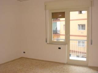 Foto - Trilocale ottimo stato, secondo piano, Soccavo, Napoli