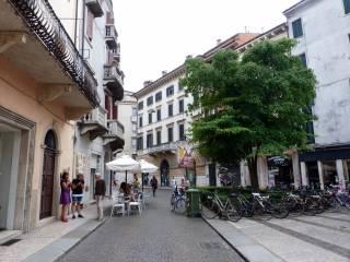 Foto - Quadrilocale buono stato, secondo piano, San Zeno, Verona