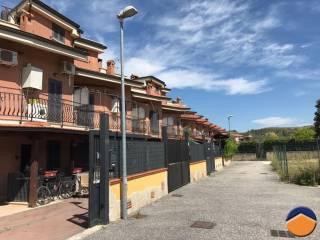 Foto - Villetta a schiera via Colle Luna, La Botte, Guidonia Montecelio