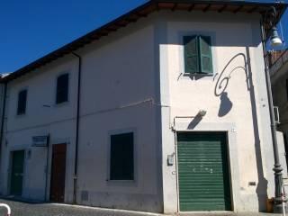 Foto - Casa indipendente 255 mq, ottimo stato, Castelnuovo Di Porto