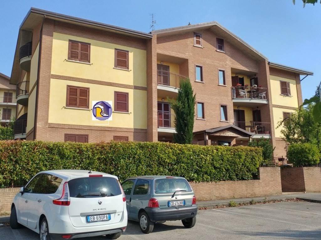 foto  Trilocale buono stato, primo piano, Perugia