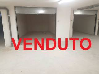 Foto - Box / Garage 28 mq, Valenzano
